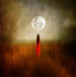 blood-moon-viviana-gonzalez-298x300